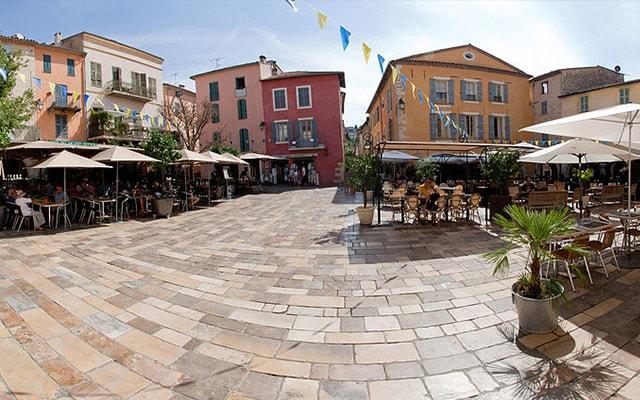 Voir les pizzerias à Valbonne (06560)